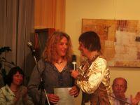 Ana Porenta je nagrado po izboru občinstva prejela z rok Mance Košir